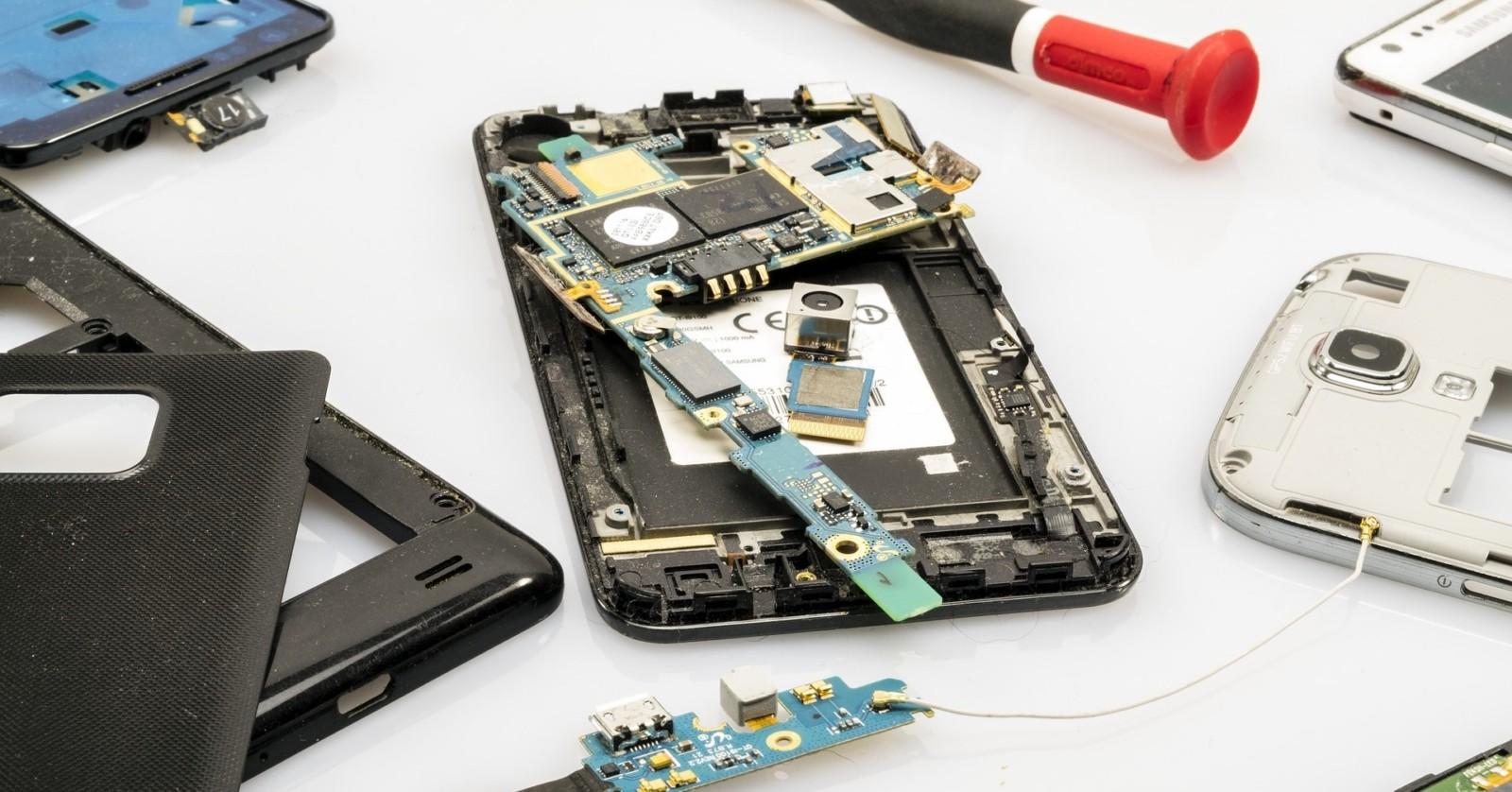 {:de}Einwand: Handys funktionieren doch auch immateriell bei der Datenübertragung!{:}{:en}Objection: Mobile phones also function immaterially during data transmission!{:}