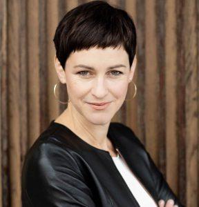 Porträtfoto von Dr. Natalie Grams